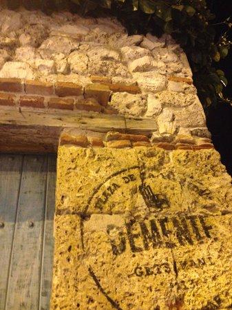 Demente: The front door