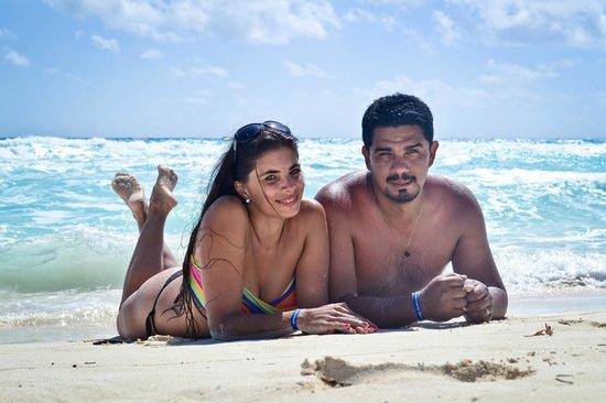 Occidental Tucancun: Con mi marido en la playa de barcelo