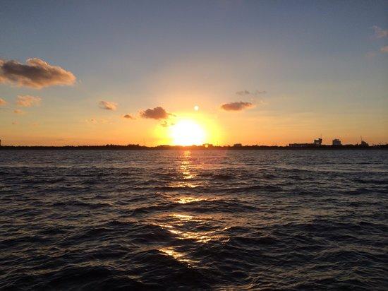 Tropical Sailing: Beautiful sunset!