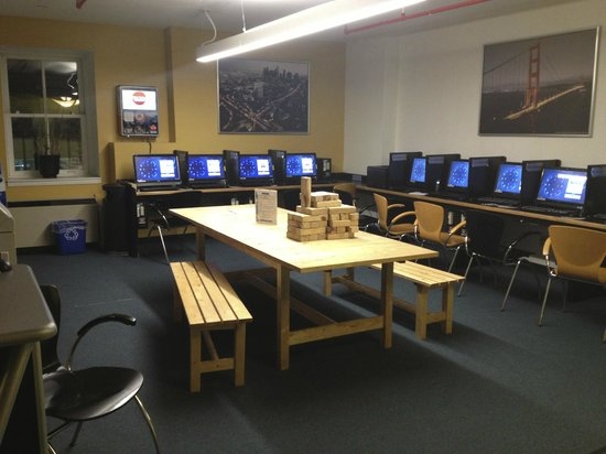 Hostelling International - New York: Computadores