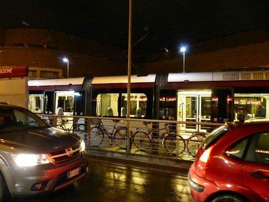 Hotel Ambasciatori: Justo a la salida del hotel