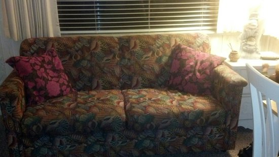 Tropical Manor: Comfortable couch