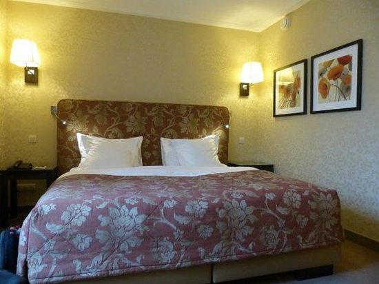 Grand Hotel Casselbergh Bruges : Nuestro cuarto.
