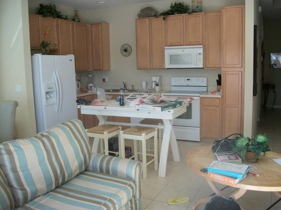 Coral Cay Resort : Kitchen