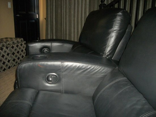 Coral Cay Resort: Theater seats