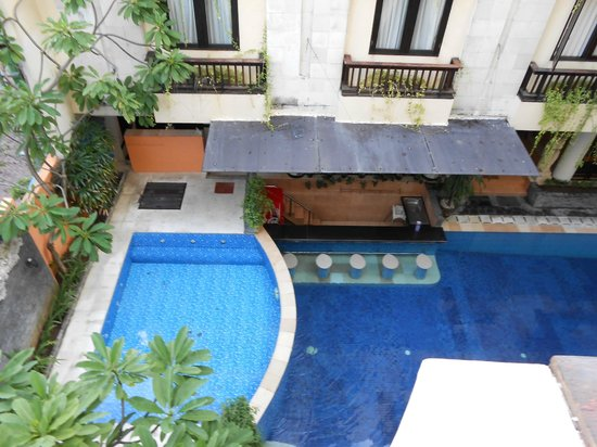Losari Hotel & Villas: Pool below