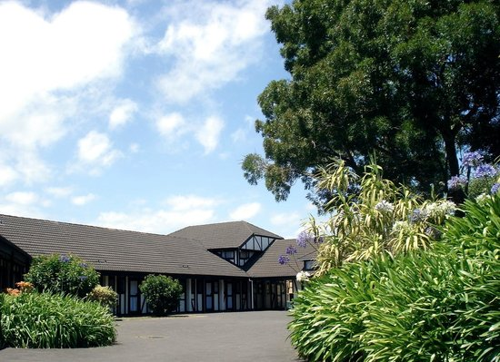Oakwood Manor : Kiwi owned and operated