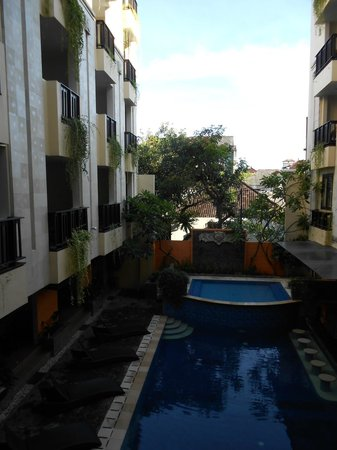 Losari Hotel & Villas: View from staircase