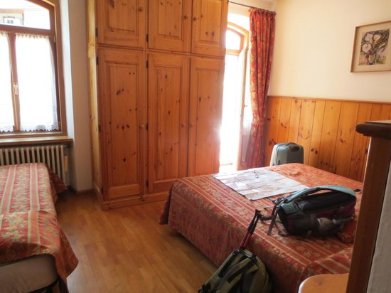 Hotel Pontejel: 部屋の中