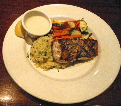 Stonewood Grill & Tavern: Mahi-mahi