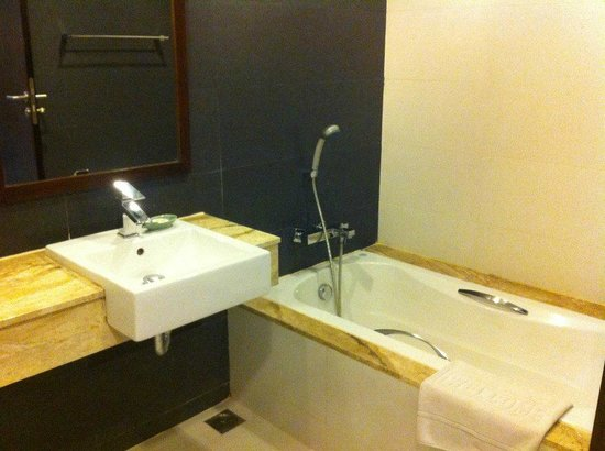 Aree Tara Resort : ิBathroom