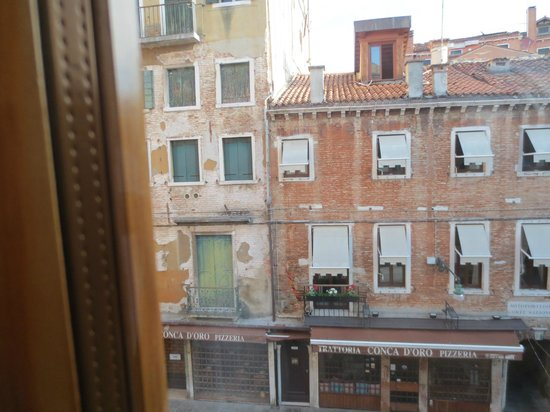 Locanda al Leon : 窓から外の景色