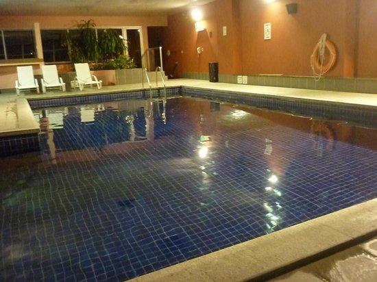 Holiday Inn Montevideo: Bela piscina aquecida na cobertura