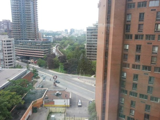 Toronto Marriott Bloor Yorkville Hotel: View from our room