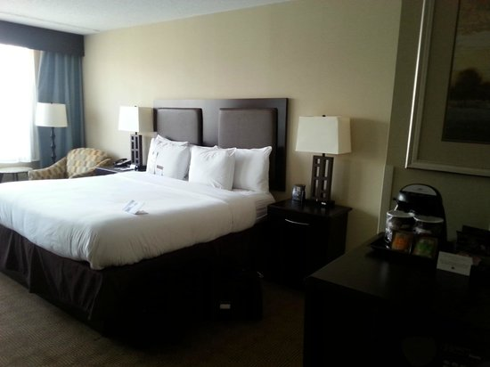 DoubleTree by Hilton Hotel Tinton Falls - Eatontown: Room 1