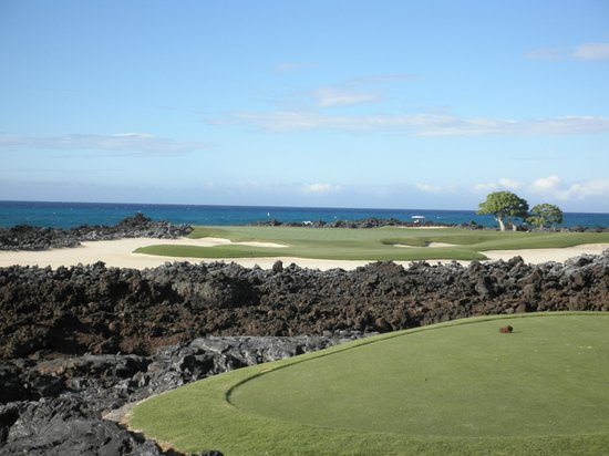 Four Seasons Resort Hualalai Golf Course: 海と溶岩のコース