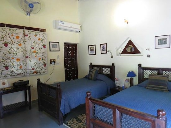 Chambal Safari Lodge : Another view of my room in the Ibis