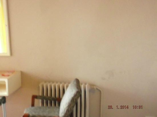 Hotel Chiavari : Mas manchas