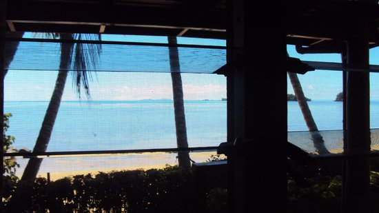 Coconut Grove Beachfront Cottages: View out of the Banana Bure
