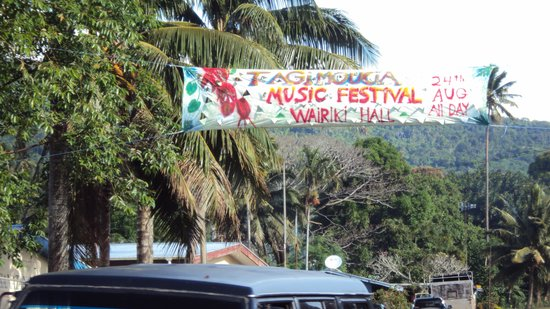 Coconut Grove Beachfront Cottages: Music festival in town