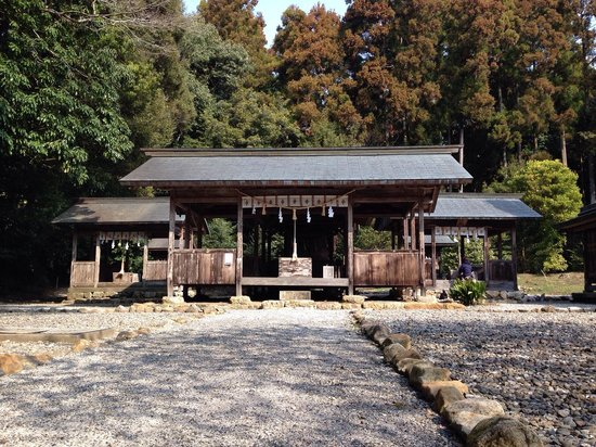 Tosa Shrine: 土佐神社の境内