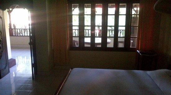 Un's Hotel: My room