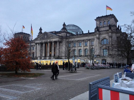 Hilton Berlin : The Historic Reichstag