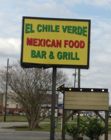 El Chile Verde: the sign by the road