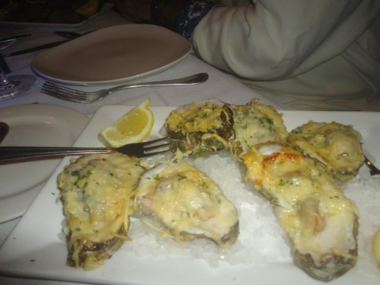 Eagle Grille: Baked Oysters