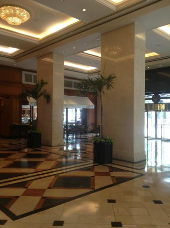 Hotel Oro Verde Guayaquil: The lobby