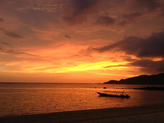 Novotel Lombok : Sunset on the beach