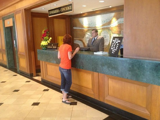 Hotel Oro Verde Guayaquil: Concierge station
