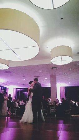 DoubleTree by Hilton Chicago North Shore: Wedding Reception in Monaco Ballroom