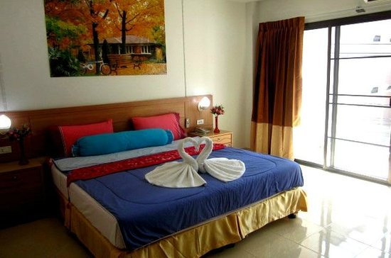 Bella Tropicana Hotel & Guesthouse: Deluxe room with balcony
