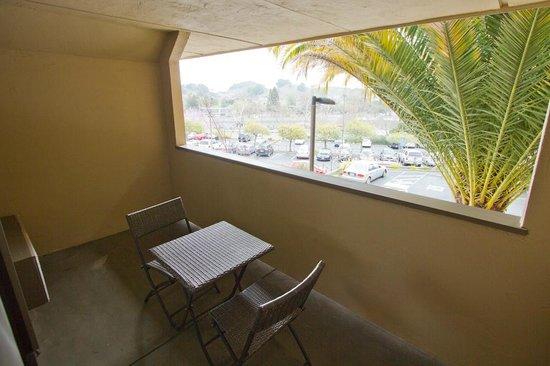 Best Western Plus Novato Oaks Inn : Private balcony.