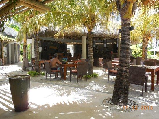 Emeraude Beach Attitude : resting area/enjoying