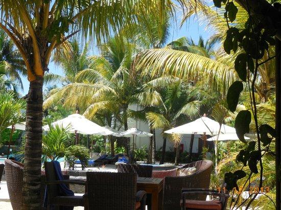 Emeraude Beach Attitude : pool view