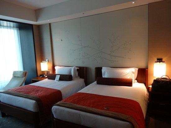 Conrad Tokyo : 寝室(リビングとはセパレート)
