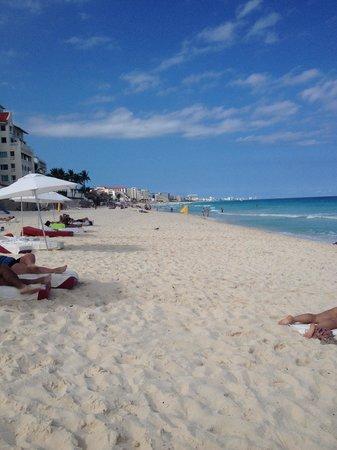 Bel Air Collection Resort & Spa Cancun: Beach!