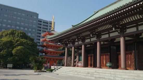 Tochoji Temple: Temple ground