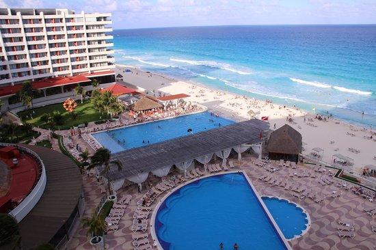 Crown Paradise Club Cancun: room view