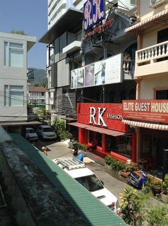Goldsea Beach Guest House: вид с балкона