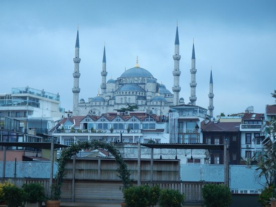 Armada Istanbul Old City Hotel: View from Breakfast Terrace