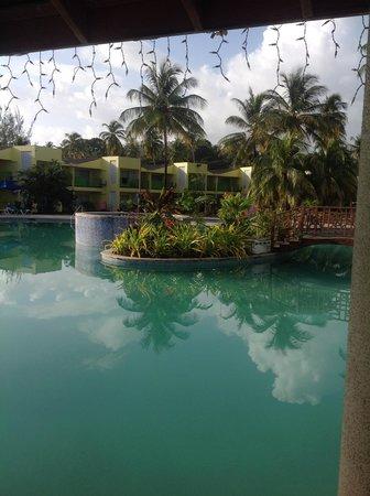Turtle Beach by Rex Resorts: Pool