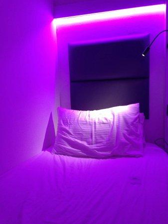 Wink Hostel: bed