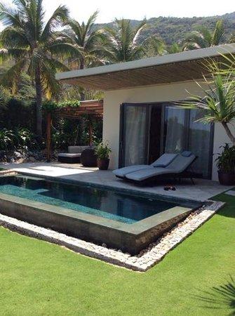 Mia Resort Nha Trang : ocean front villa