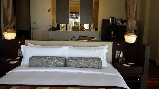 Vana Belle, A Luxury Collection Resort, Koh Samui : Signature spg comfy bed