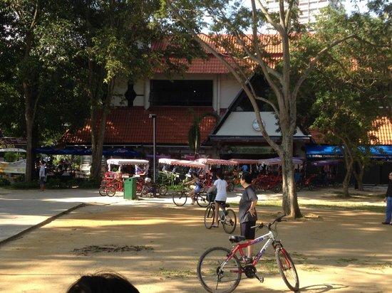 East Coast Park : Bike rental