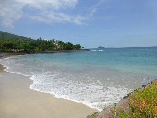Candi Beach Resort & Spa: south side beach