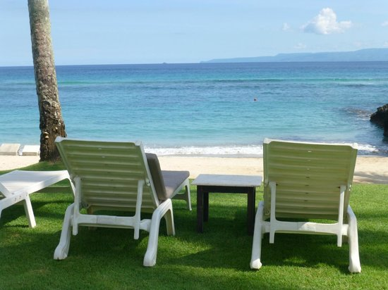 Candi Beach Resort & Spa: beach front